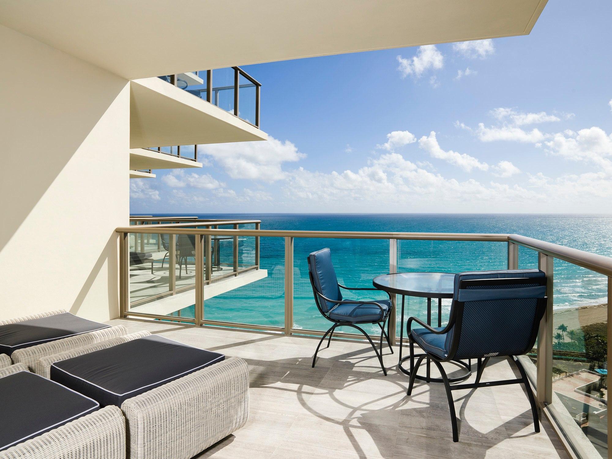 st regis bal harbour condos st regis condos bal harbour. Black Bedroom Furniture Sets. Home Design Ideas