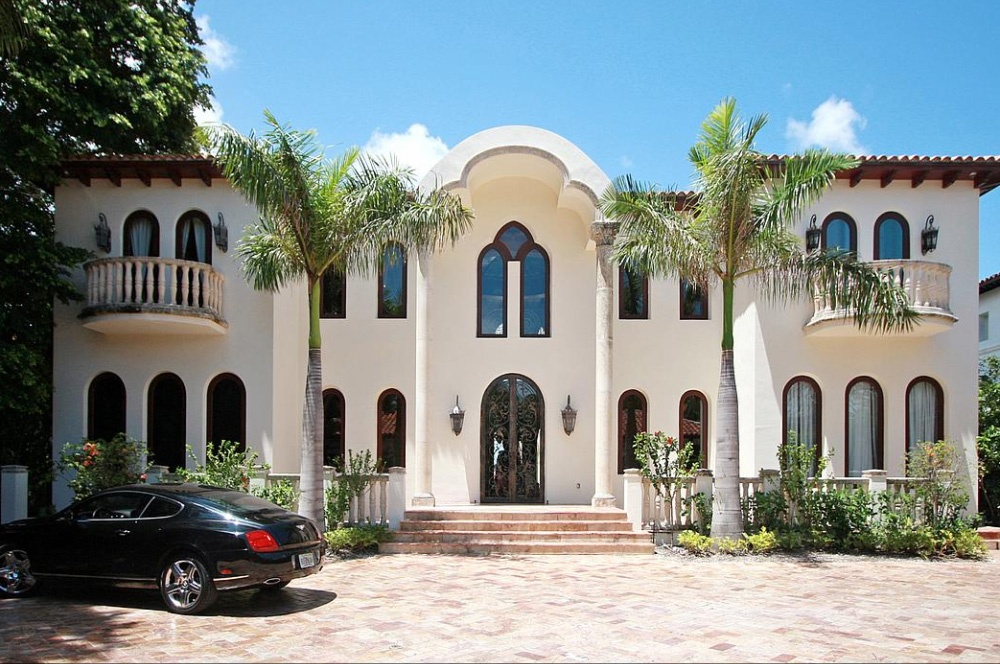 Miami beach real estate luxury miami beach real estate for Homes for sales in miami