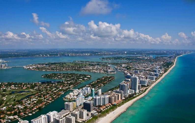 Is Ft Lauderdale Or West Palm Beach Close To Miami